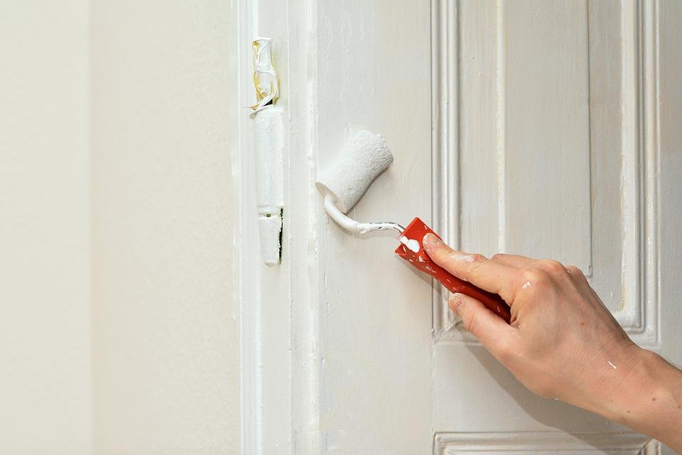 Pitturare casa: come scegliere la pittura giusta per ogni ambiente